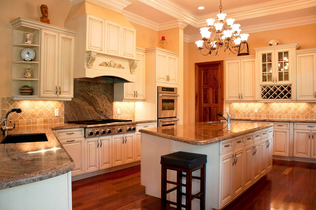 jupiter, fl luxury homes for sale with high-end kitchens