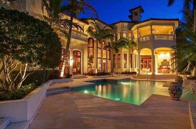 Top 5 luxury pools outdoor living spaces in jupiter fl for Cost of outdoor living space