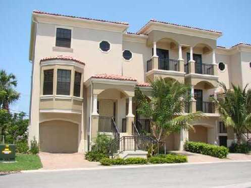 Casa Del Sol Townhomes For Sale in Tequesta, FL
