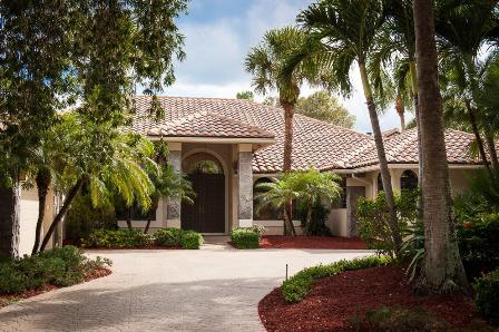 Heritage Oaks Real Estate in Tequesta, FL